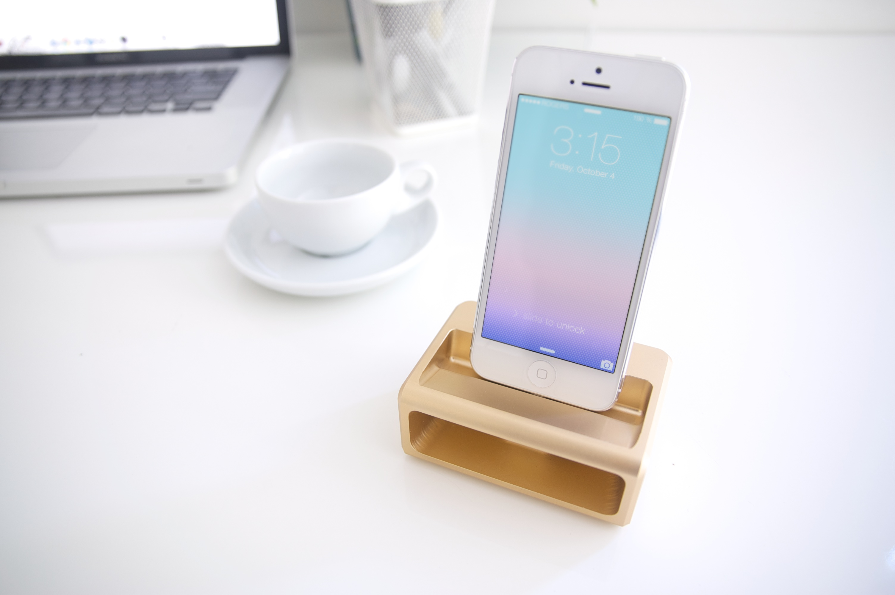 symphony dock with screen